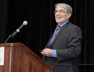 Dr Meldon Kahan, récipiendaire du Prix du Médecin de famille canadien pour le meilleur article de recherche originale