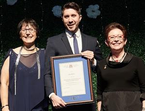 Dr Jesse Kancir, récipiendaire du Prix Mimi Divinsky d'histoire et narration en médecine familiale