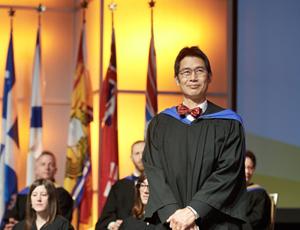 Dr Clinton Wong, récipiendaire de la désignation Membre honoraire du Collège des médecins de famille du Canada