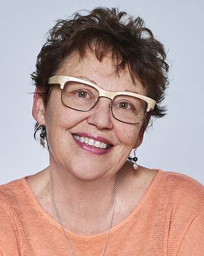 2019 Ian McWhinney Award winner Dr. Joanna Bates