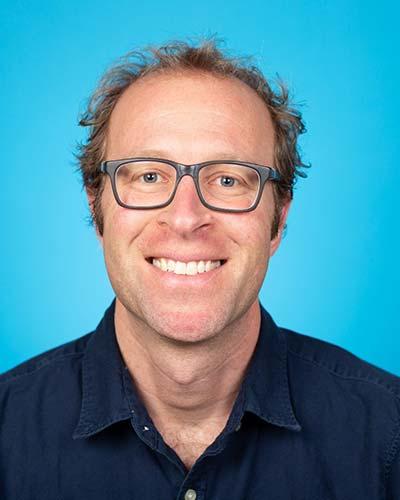 2019 Jean-Pierre Despins Award winner Dr. Gary Bloch