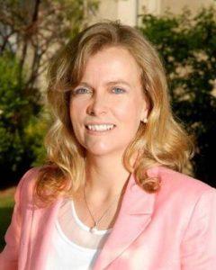 Dr. Clare Liddy, recipient of the Researcher of the Year award/Dre Clare Liddy, récipiendaire du Prix du chercheur de l'année en médecine familiale